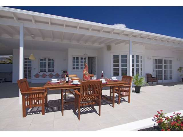Outdoor seating and terrace area - Villa Las Palmitas, Puerto del Carmen, Lanzarote